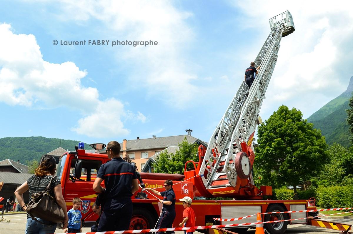 Photographe événementiel Pour Un Centre De Secours En Savoie : La Grande échelle Des Pompiers