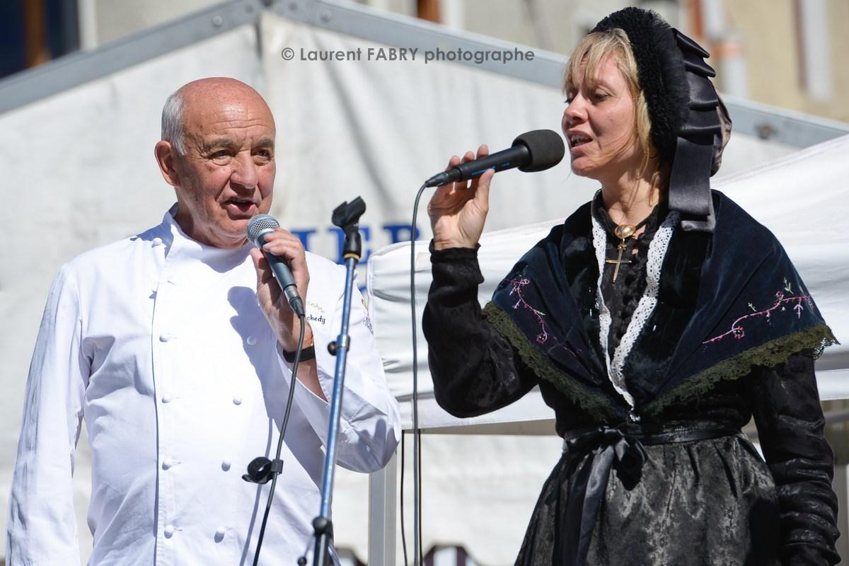 Photographe tourisme en Tarentaise : Concert du groupe Tarentaise Autrefois avec le chef Michel Rochedy
