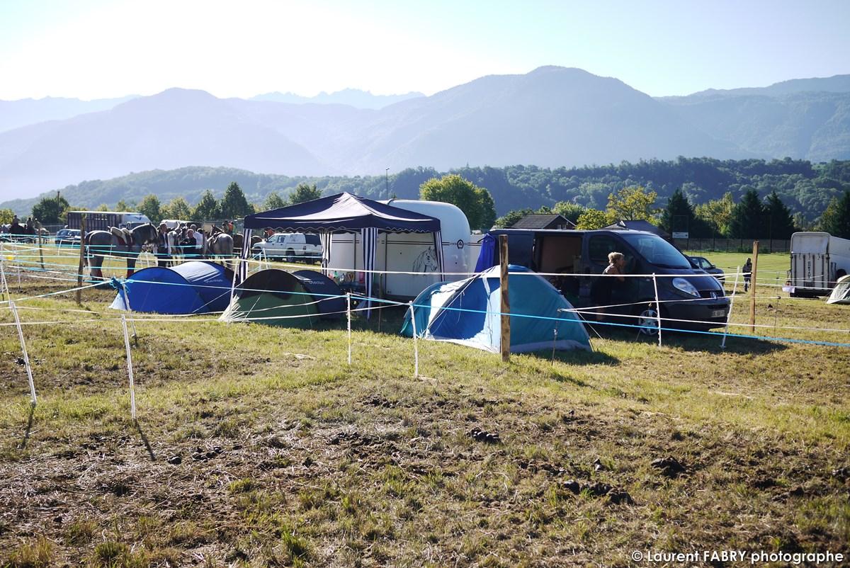 Photo Du Campement Des Cavaliers Lors Du Rallye équestre à Saint-Pierre D'Albigny