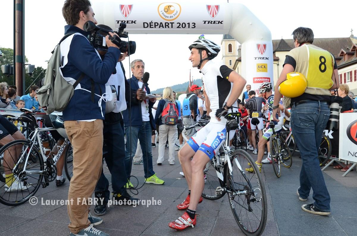 Photographe Cyclisme à Annecy : Départ Et Journalistes