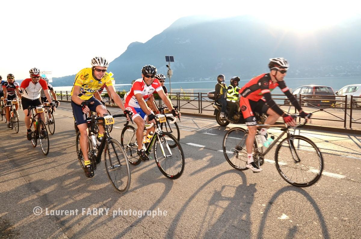 Photographe Cyclo Dans Les Bauges : Au Bord Du Lac D'Annecy