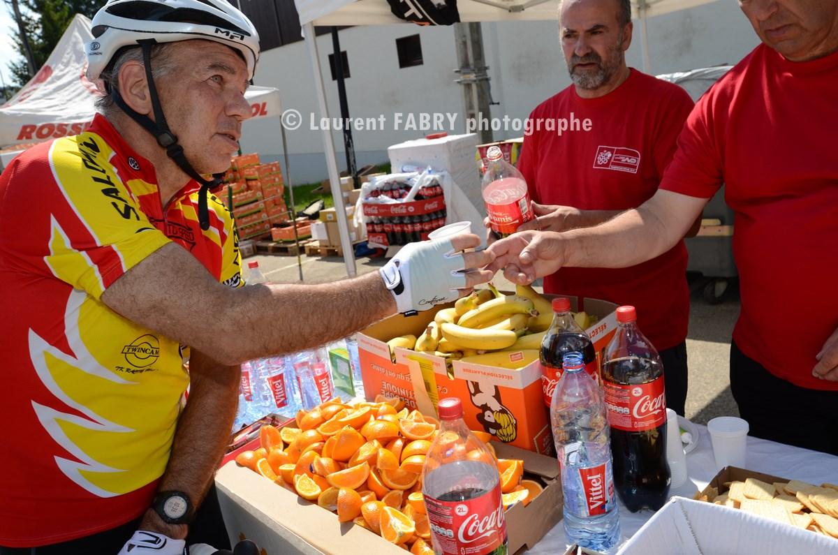 Photographe Cyclisme Dans Les Bauges : Le Ravitaillement