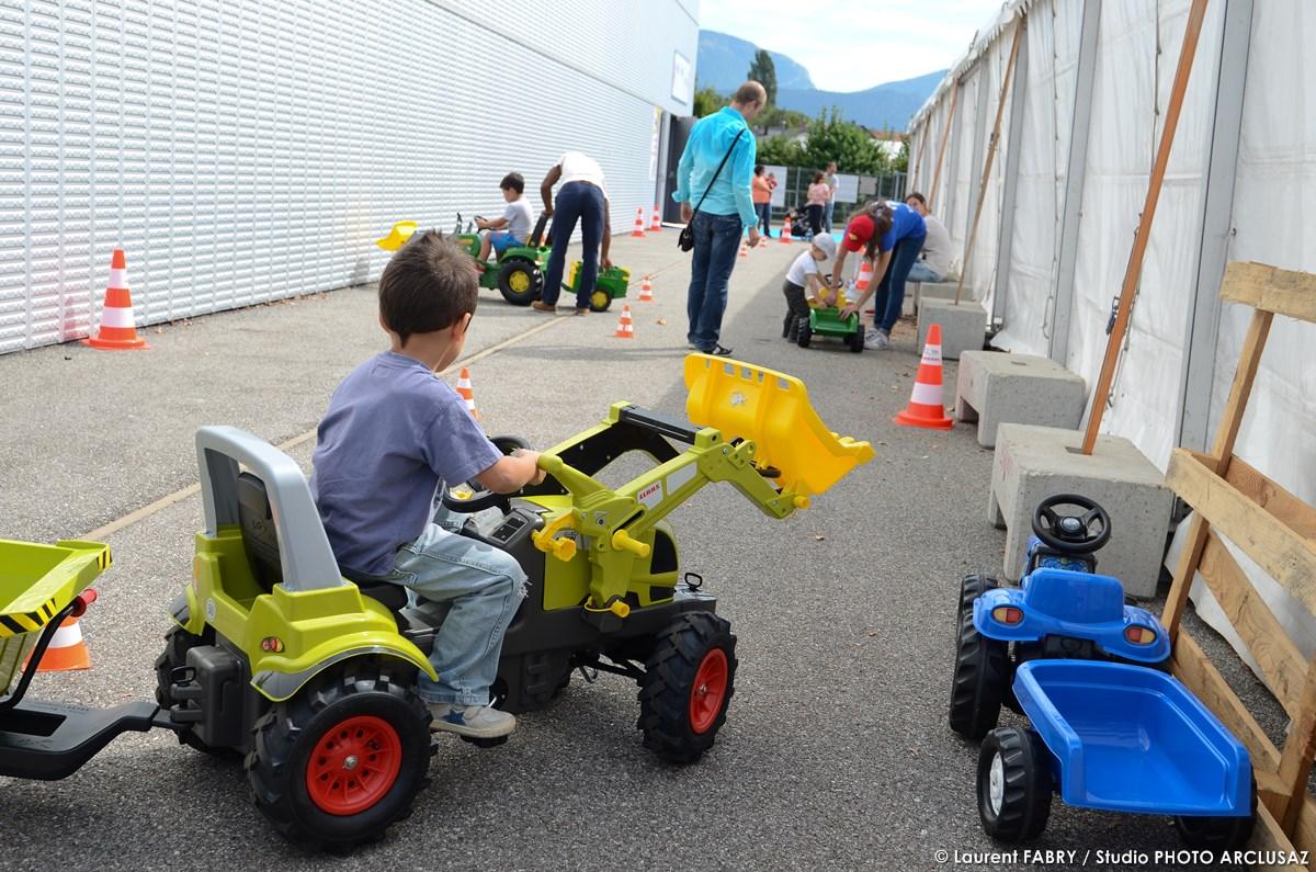 Photographe événementiel : Espace De Jeu Pour Les Enfants Sur La Foire De Savoie