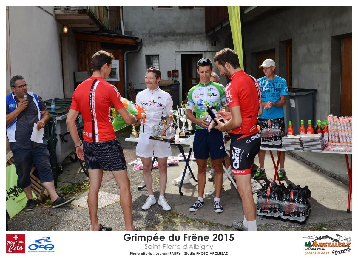 Photographe Cyclisme En Combe De Savoie : Félicitations Des Organisateurs Et Remise Des Prix à La Grimpée Du Frêne