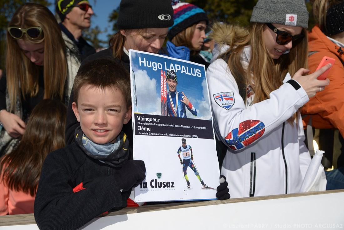 Photographe Sports De Ski Nordique En Savoie : Un Jeune Fan De Hugo Lapalus