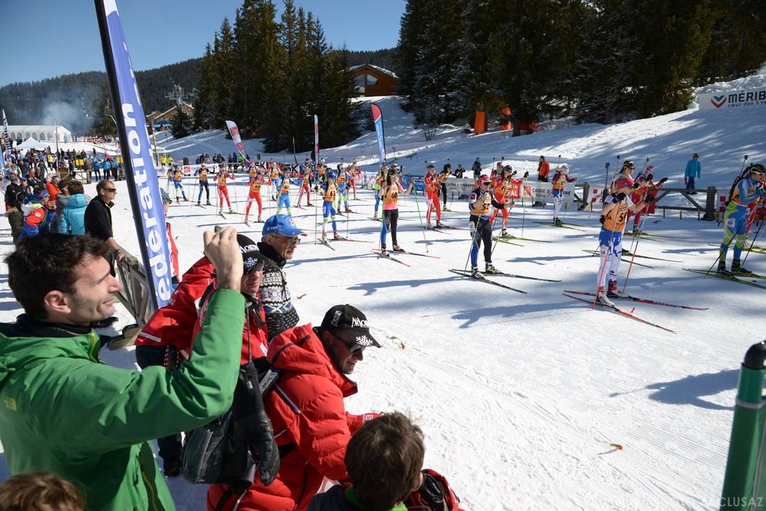 Photographe Sports De Ski Nordique En Savoie : Départ Du Biathlon à Méribel