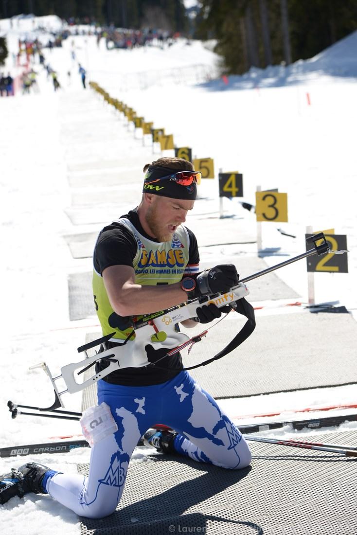 Photographe Sports De Ski Nordique En Savoie : Le Pas De Tir Sur L'altiport De Méribel Pour Les Championnats De Biathlon