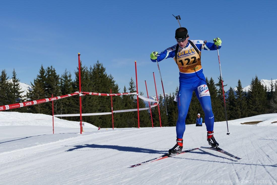 Photographe Sports De Ski Nordique En Savoie : Un Biathlète à Méribel