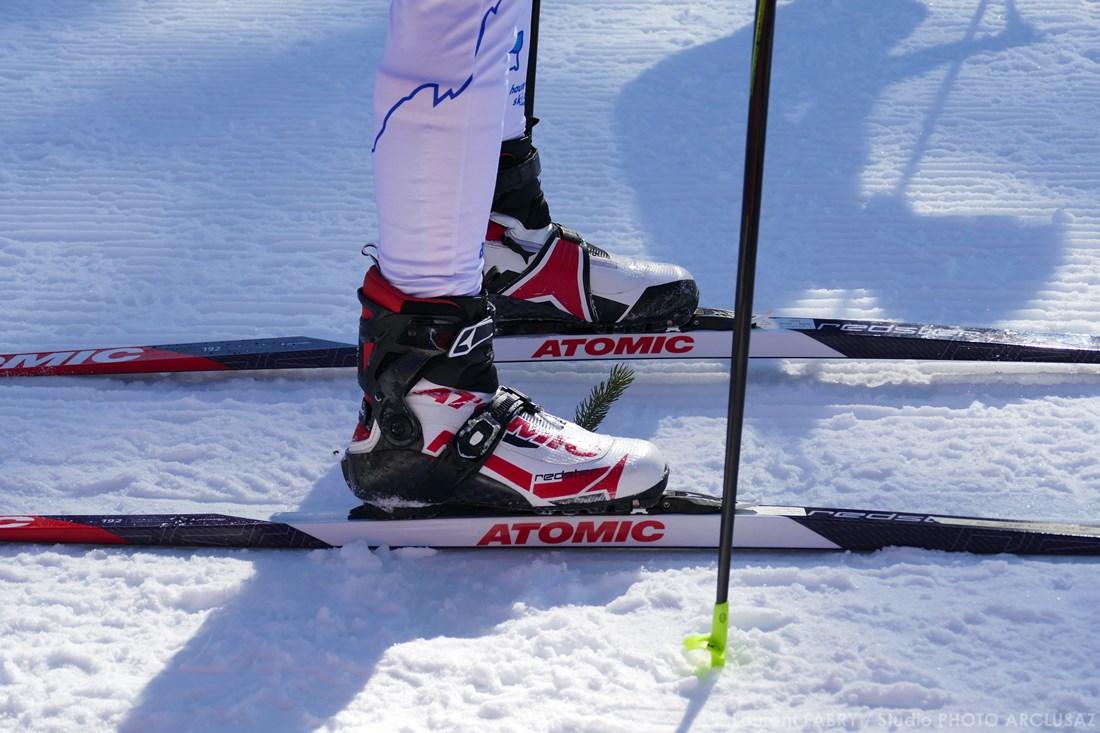 Photographe Sports De Ski Nordique En Savoie : Détail Des Chaussures Et Skis De Fond