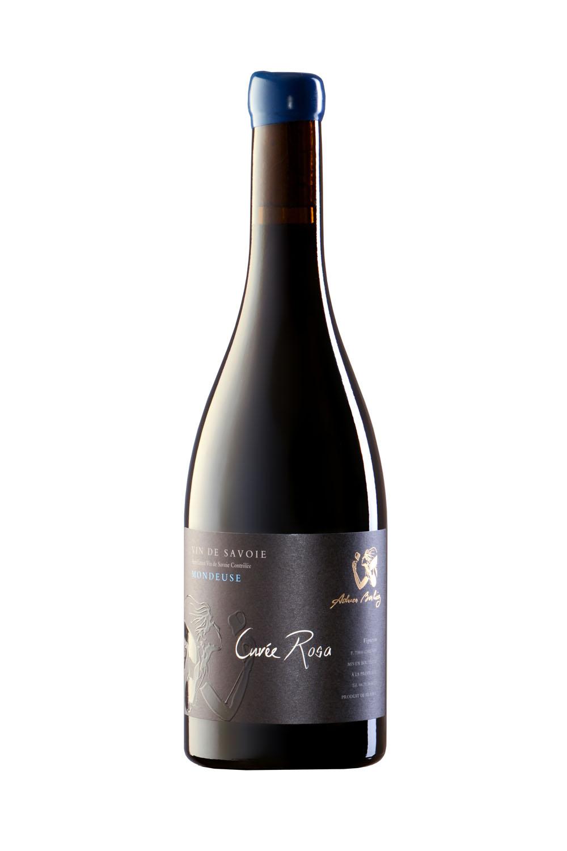 Photo D'une Bouteille De Vin De Savoie (Mondeuse) Réalisée Par Un Photographe Professionnel En Studio