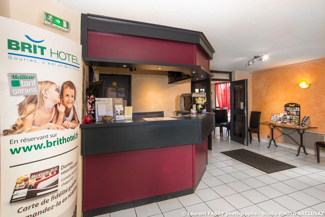 Photographe D'hôtel à Chambéry : Accueil De L'hôtel Brit Hotel à Chambéry, Savoie