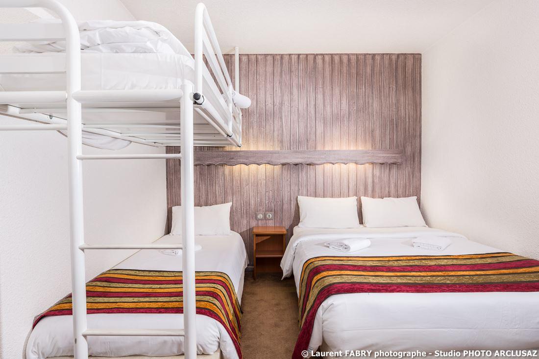 Photographe D'hôtel à Chambéry : Chambre Twin De L'hôtel Brit Hotel à Chambéry, Savoie