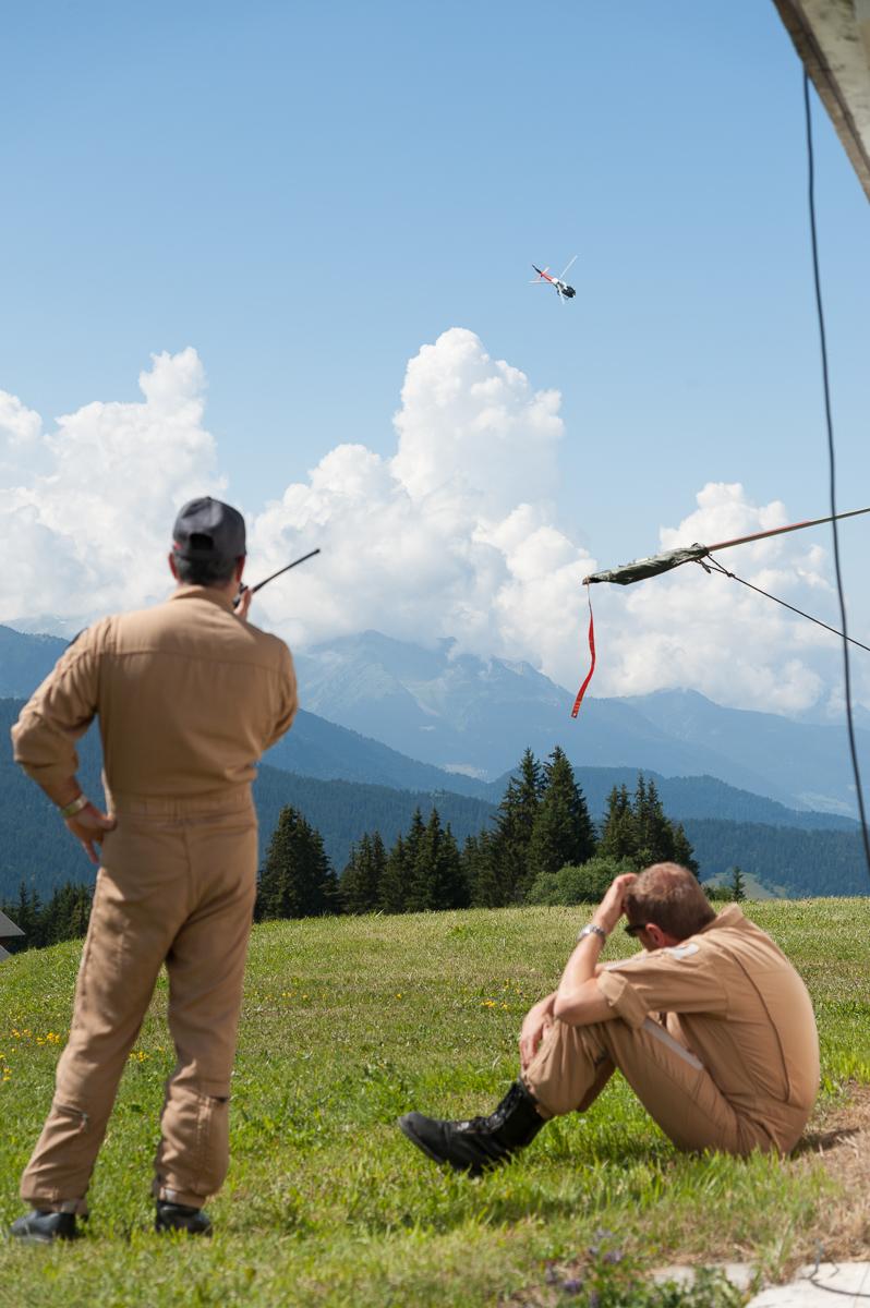 Photographe Tourisme Sur Un Meeting Aérien : Les Pilotes D'hélicoptère De L'ALAT