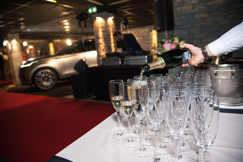Photographe événementiel à Courchevel : Le Champagne Coule à Flot