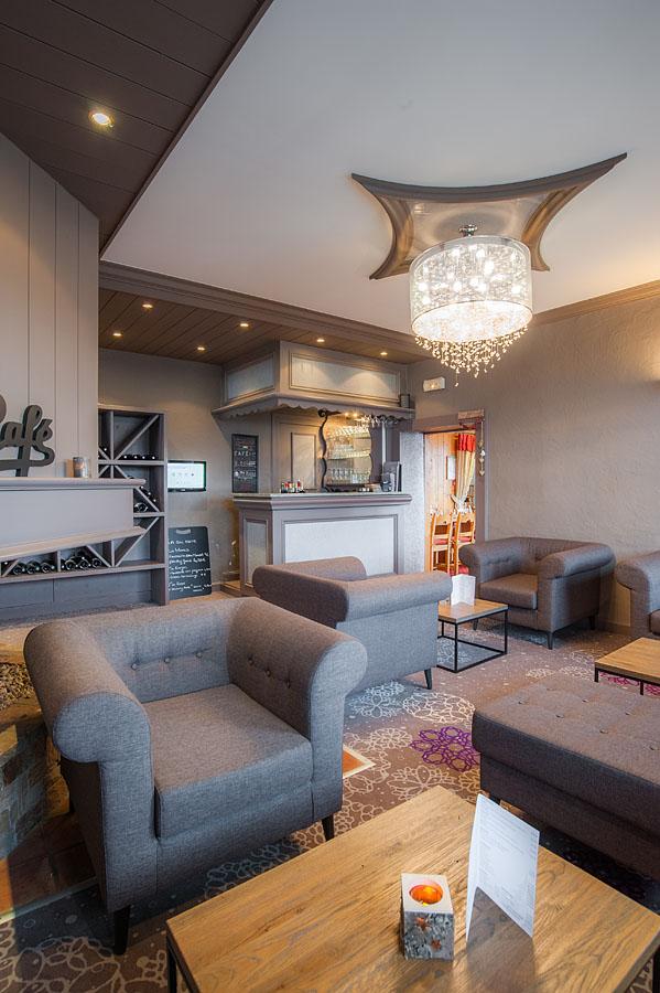 Photographe d'hôtel en Beaufortain : le bar de l'hôtel