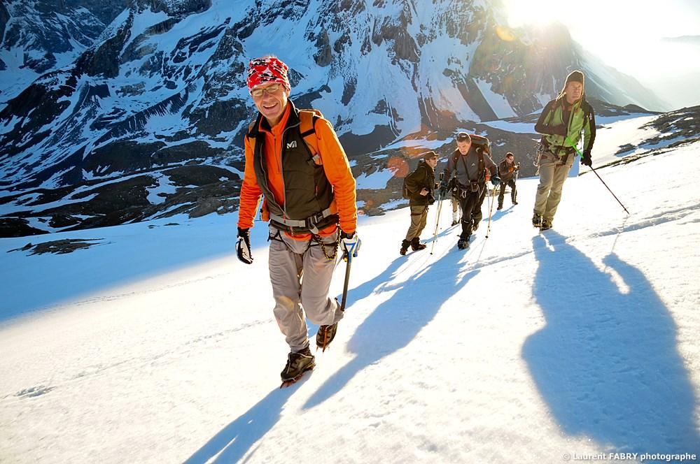 Photographe Outdoor Dans Les Alpes : Lever De Soleil Derrière La Grande Casse
