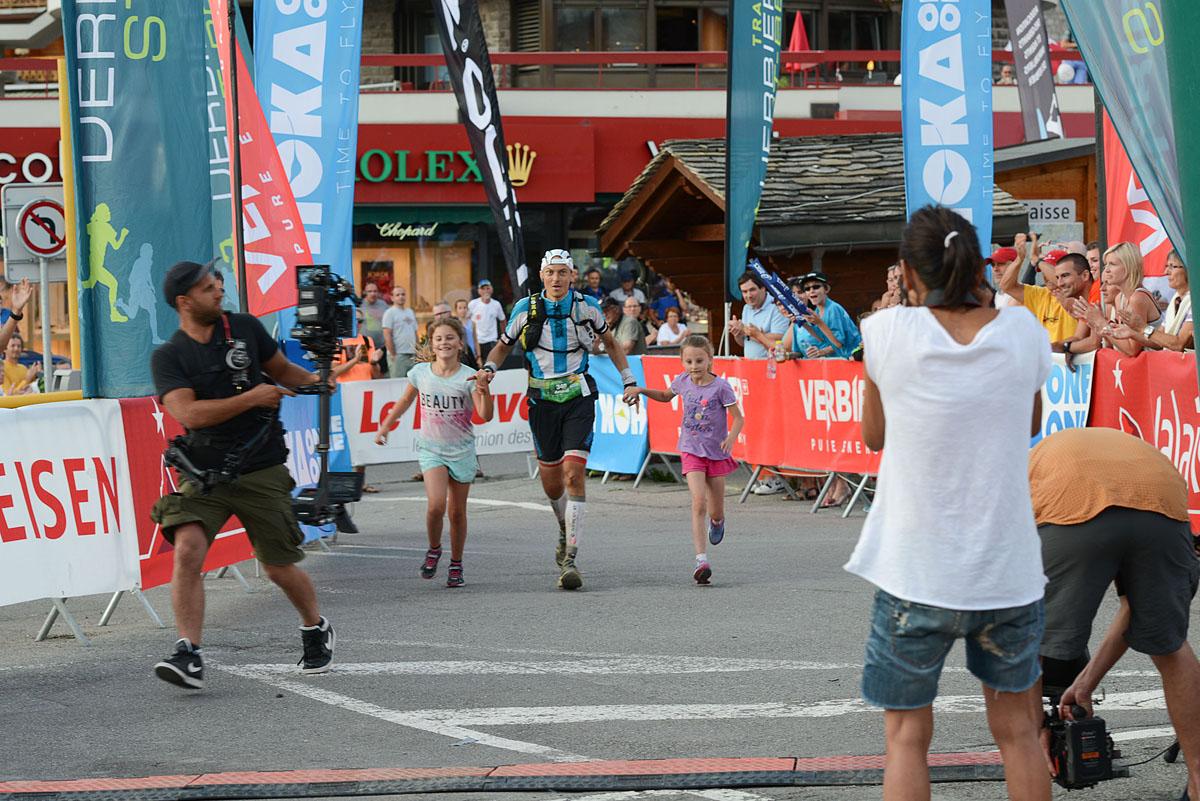Photographe De Trail Running En Suisse : Arrivée Du Français Arnaud Lejeune Qui Remporte La Course X-Alpine Du TVSB