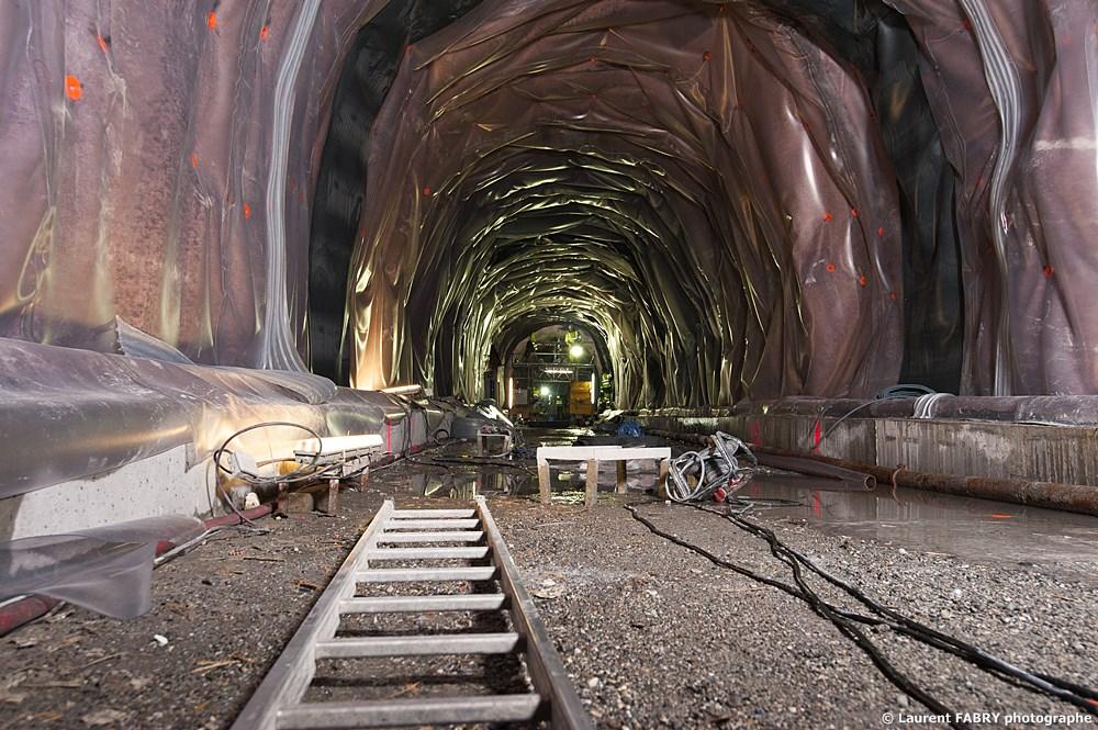 Photographe Industriel En Auvergne Rhône Alpes : La Galerie De Secours Du Tunnel Du Siaixx