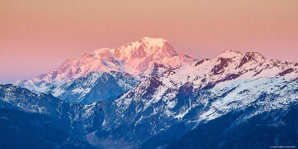 Photographe En Décoration De Bureaux Dans Les Alpes : Coucher De Soleil Sur Le Mont Blanc Depuis Les Hurtières