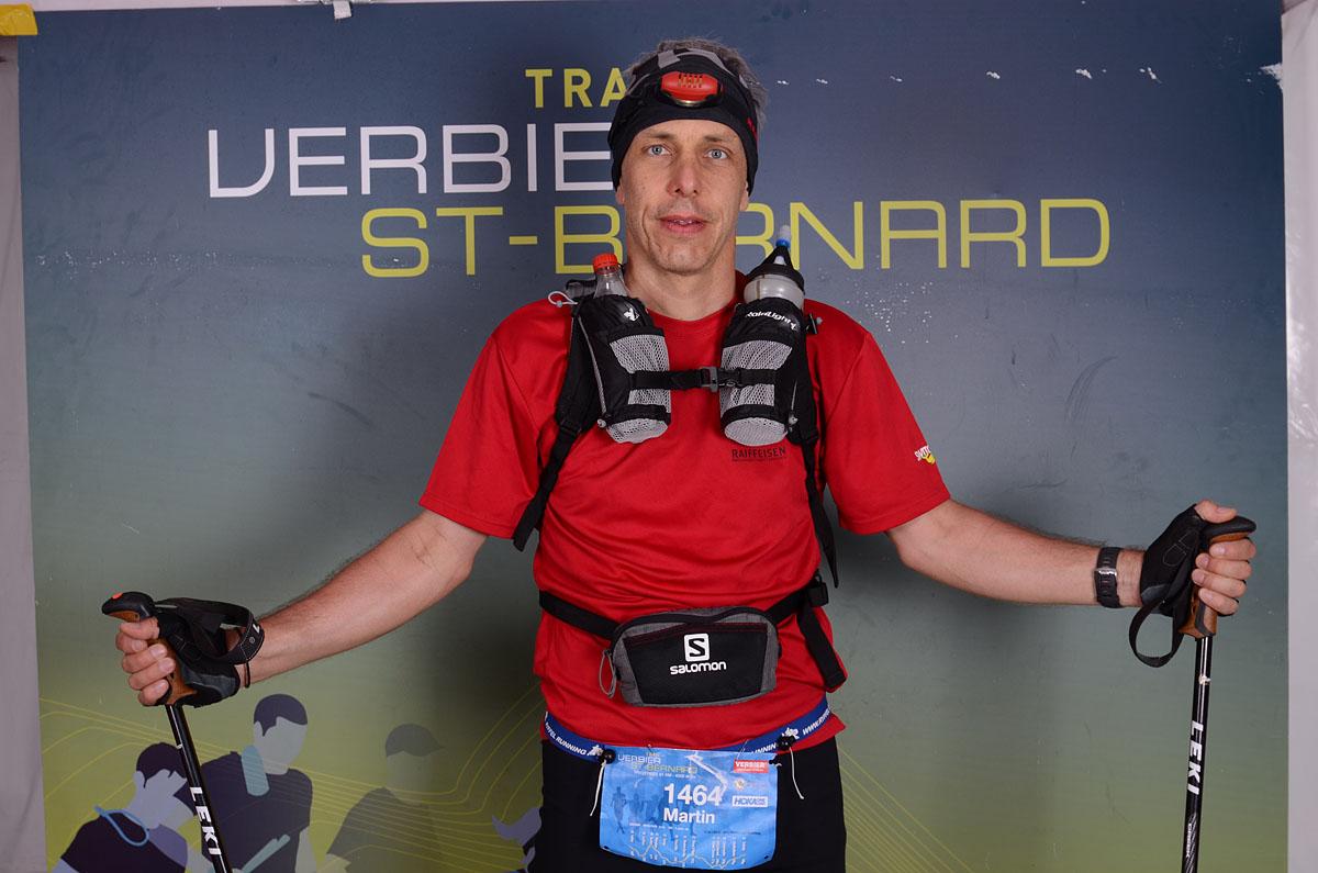 Photographe De Trail Running En Suisse : Portrait D'un Coureur Qui A Fini Sa Course Du TVSB