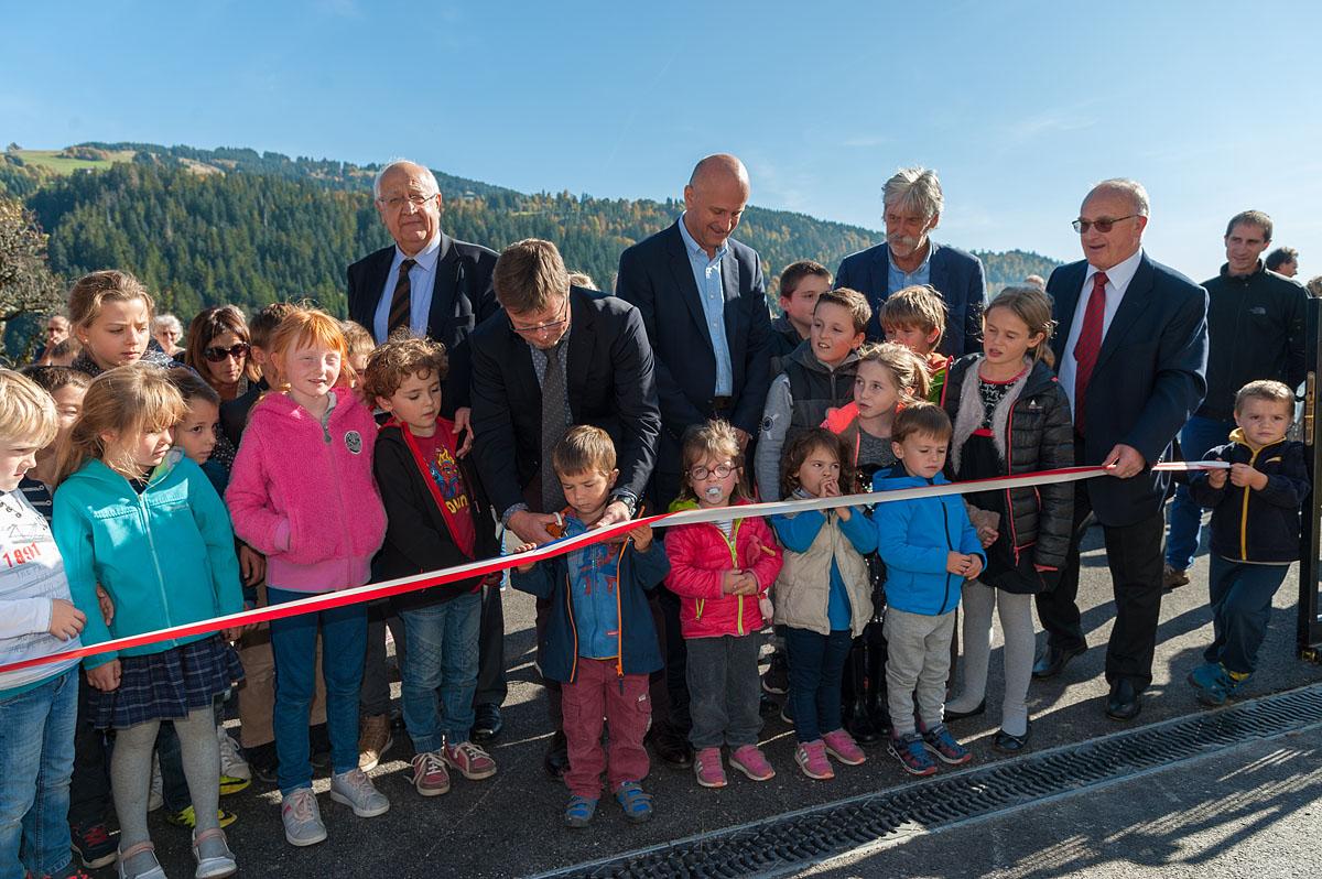 Photographe Architecture En Savoie Pour Une Collectivité : Inauguration De L'extension D'une école Par Les élus Savoyards
