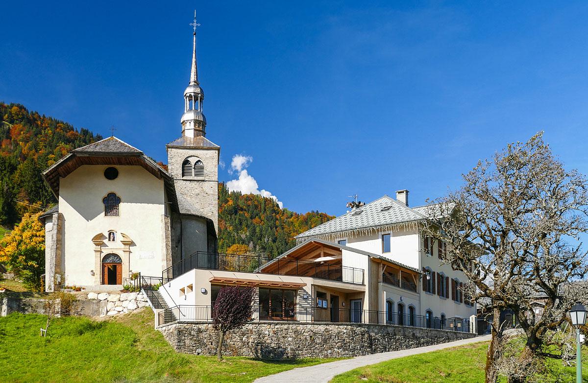 Photographe Architecture En Savoie Pour Une Collectivité : Extension De L'école De Saint-Nicolas-la-Chapelle Au Cœur Du Village