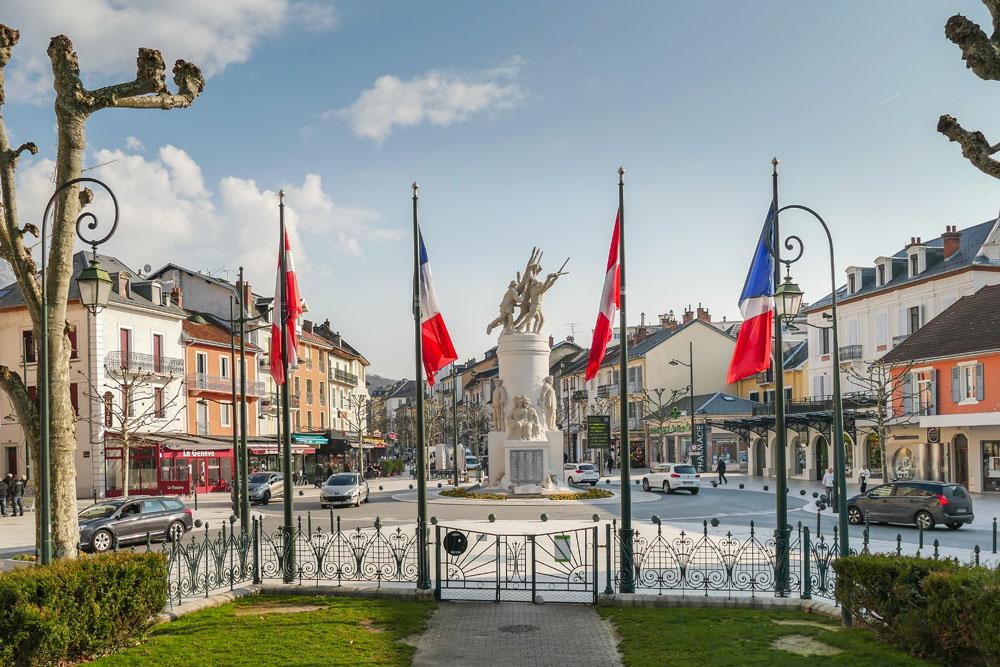 Photographe Urbanisme Pour Une Collectivité Dans Les Alpes (Aix-les-Bains) : Monument Aux Morts De La Guerre De 14-18 Depuis Le Square Alfred Boucher