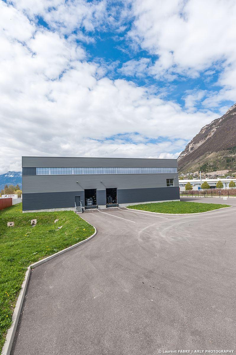 Photographe Industrie Automobile, Bâtiment De Logistique De Pneus En Pays De Savoie