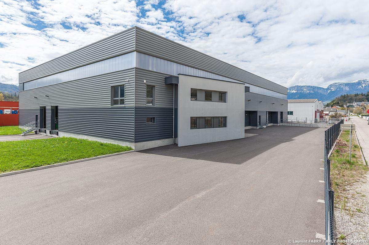 Photographe Industrie Automobile, Bâtiment De Logistique De Pneus En Savoie