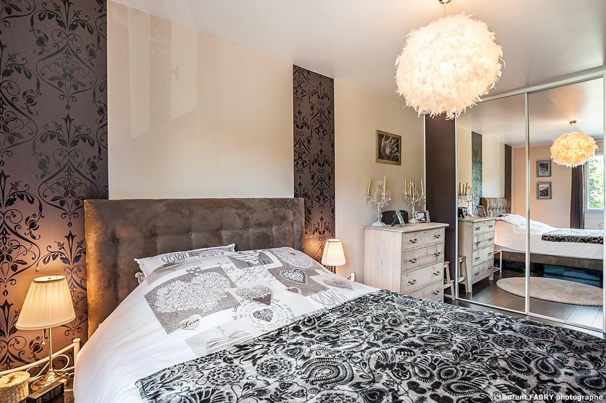 Photographe Immobilier Pour Un Appartement à Chambéry : La Chambre Parentale