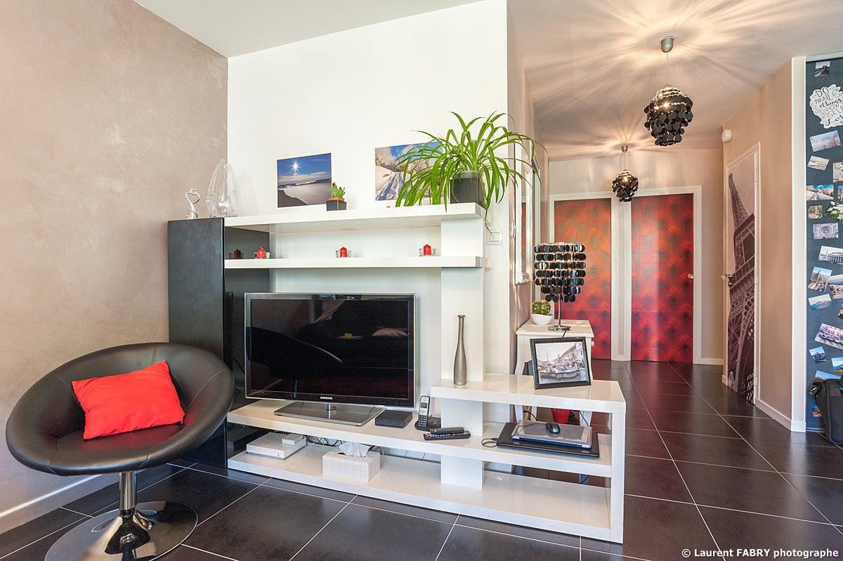 Photographe Immobilier Pour Un Appartement à Chambéry : Le Coin TV