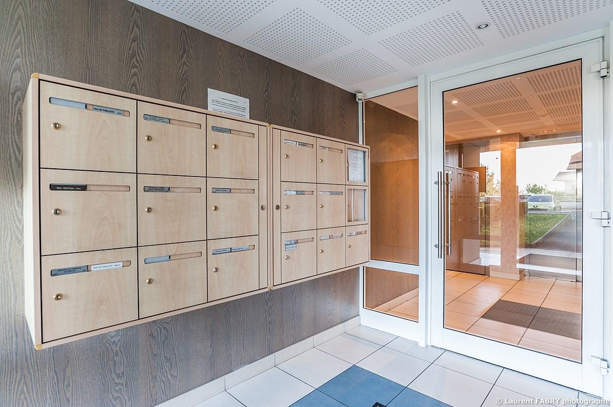 Photographe Immobilier Pour Un Appartement Près D'Annecy : Hall D'entrée