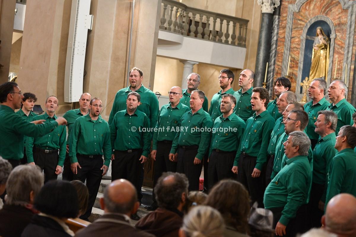 Photographe tourisme en Tarentaise : Concert des choeurs de Verrès dans la cathédrale de Možûtiers