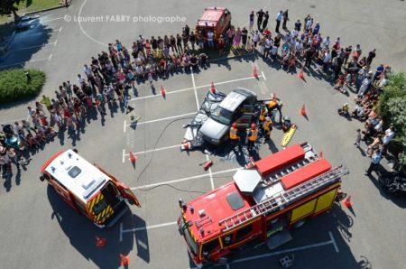 Photographe événementiel Pour Un Centre De Secours En Savoie : Manoeuvre De Secours Routier Photographié En Hauteur