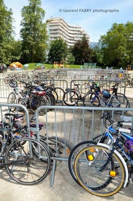 Photographe Urbanisme à Chambéry : Vélos Parqués Au Parc Du Buisson Rond