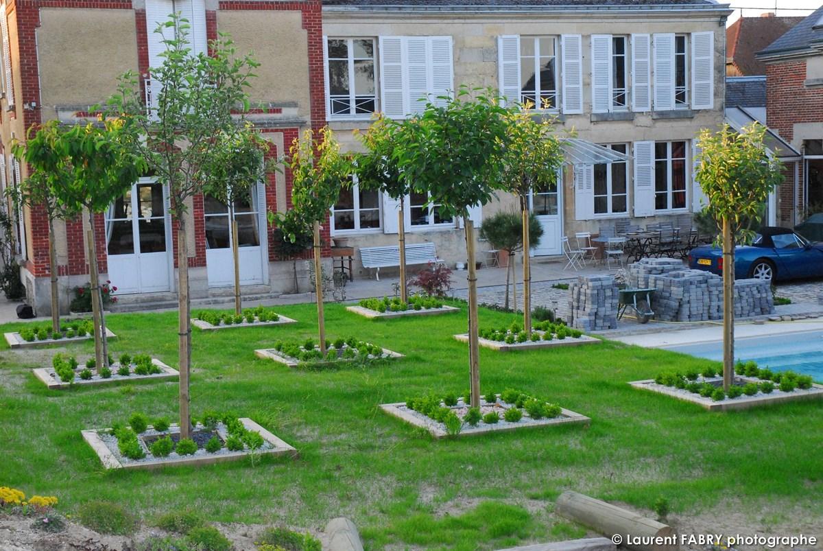 Photographe Architecte Paysagiste : Le Jrdin Est Cadrillé D'arbres