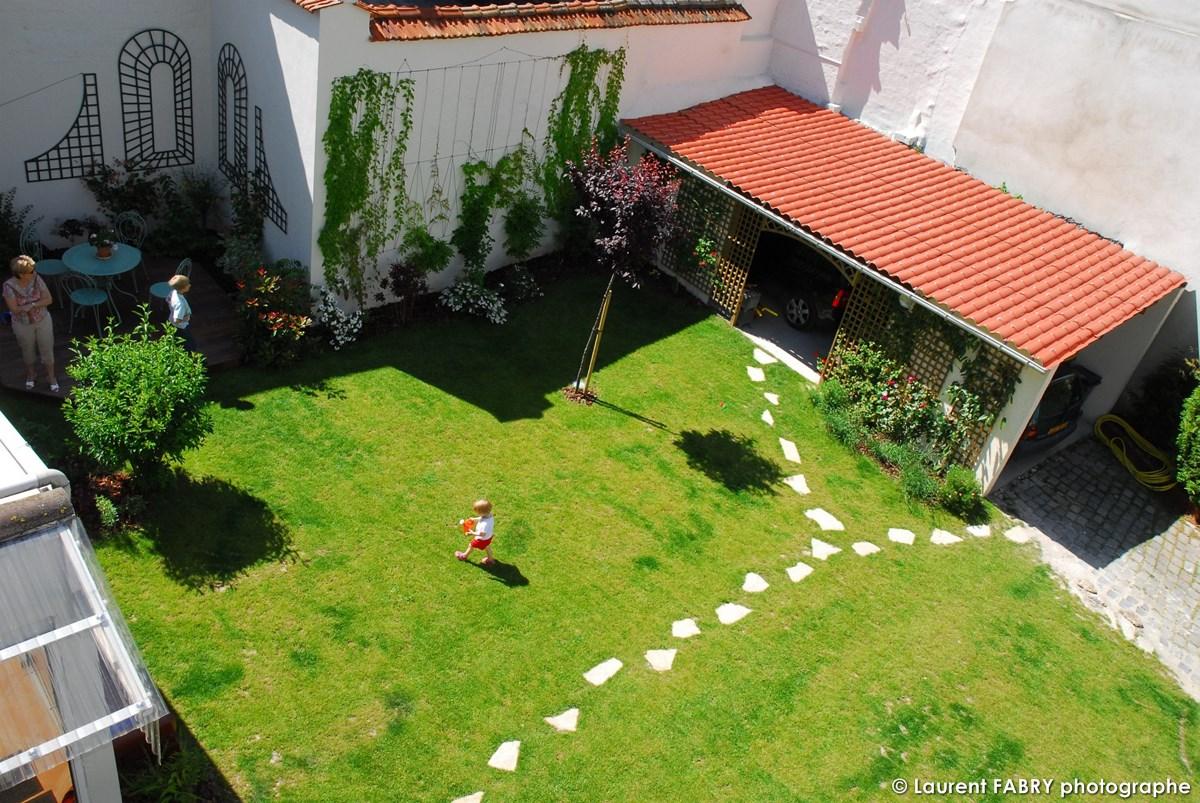 Photographe Architecte Paysagiste : Vue Du Jardin Depuis Un Des étages De La Maison