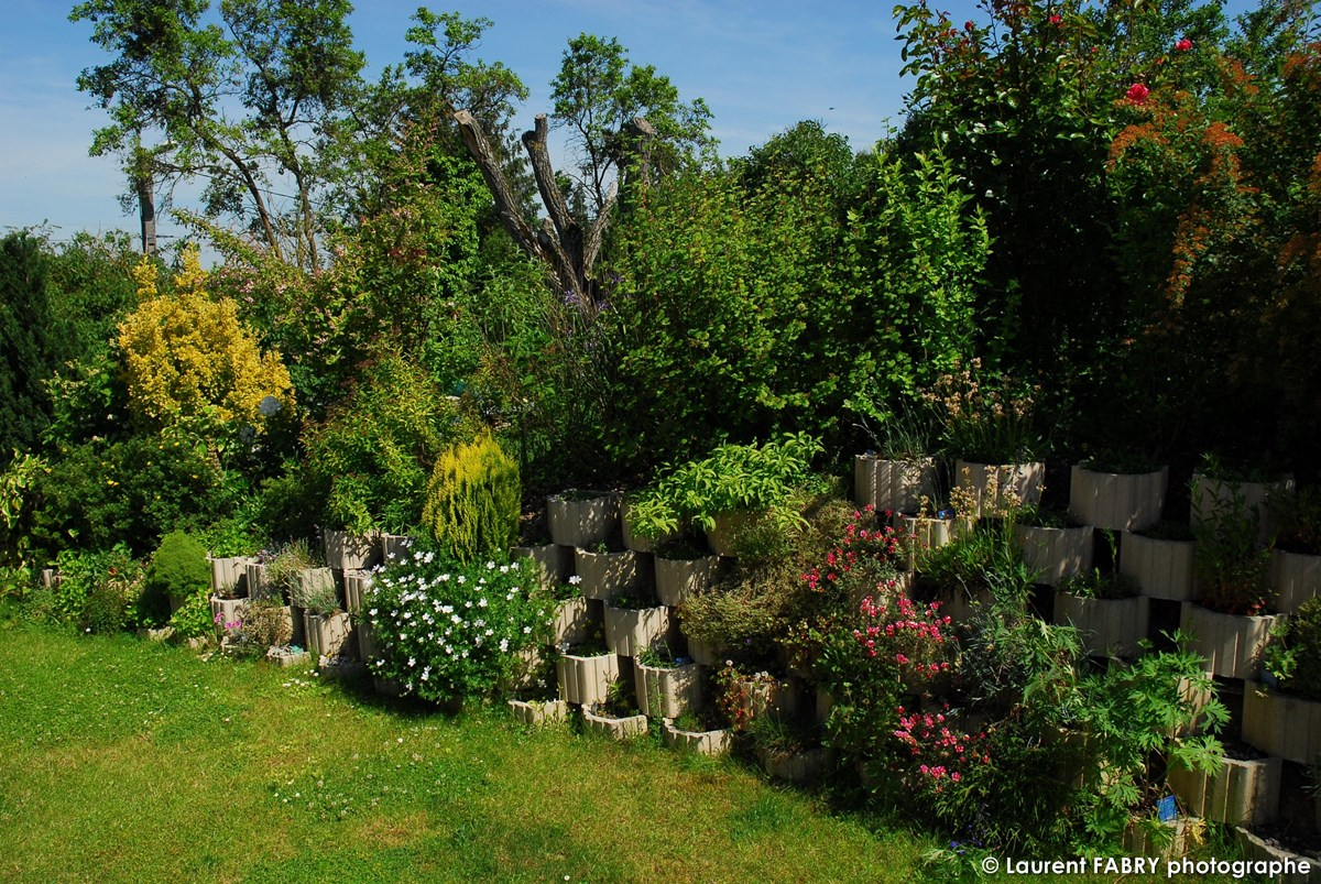 Photographe Architecte Paysagiste : Un Talus De Jardin Aménagé Par Le Paysagiste