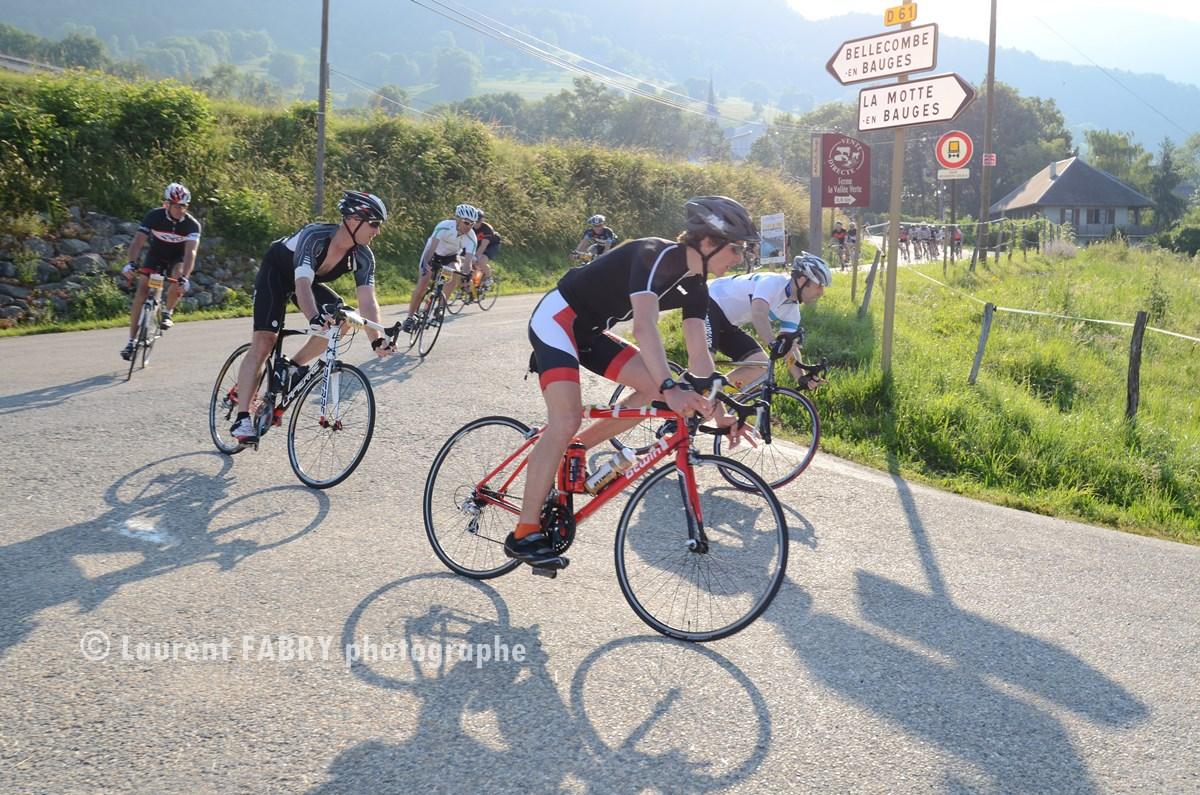 Photographe Sport Sur Une Course Cyclo Dans Les Bauges : Un Lacet En Montagne