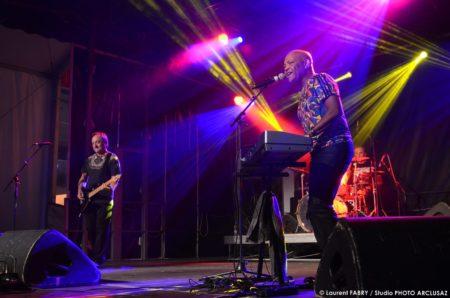 Photographe événementiel : Le Concert Du Groupe Emile Et Image à La Foire De Savoie