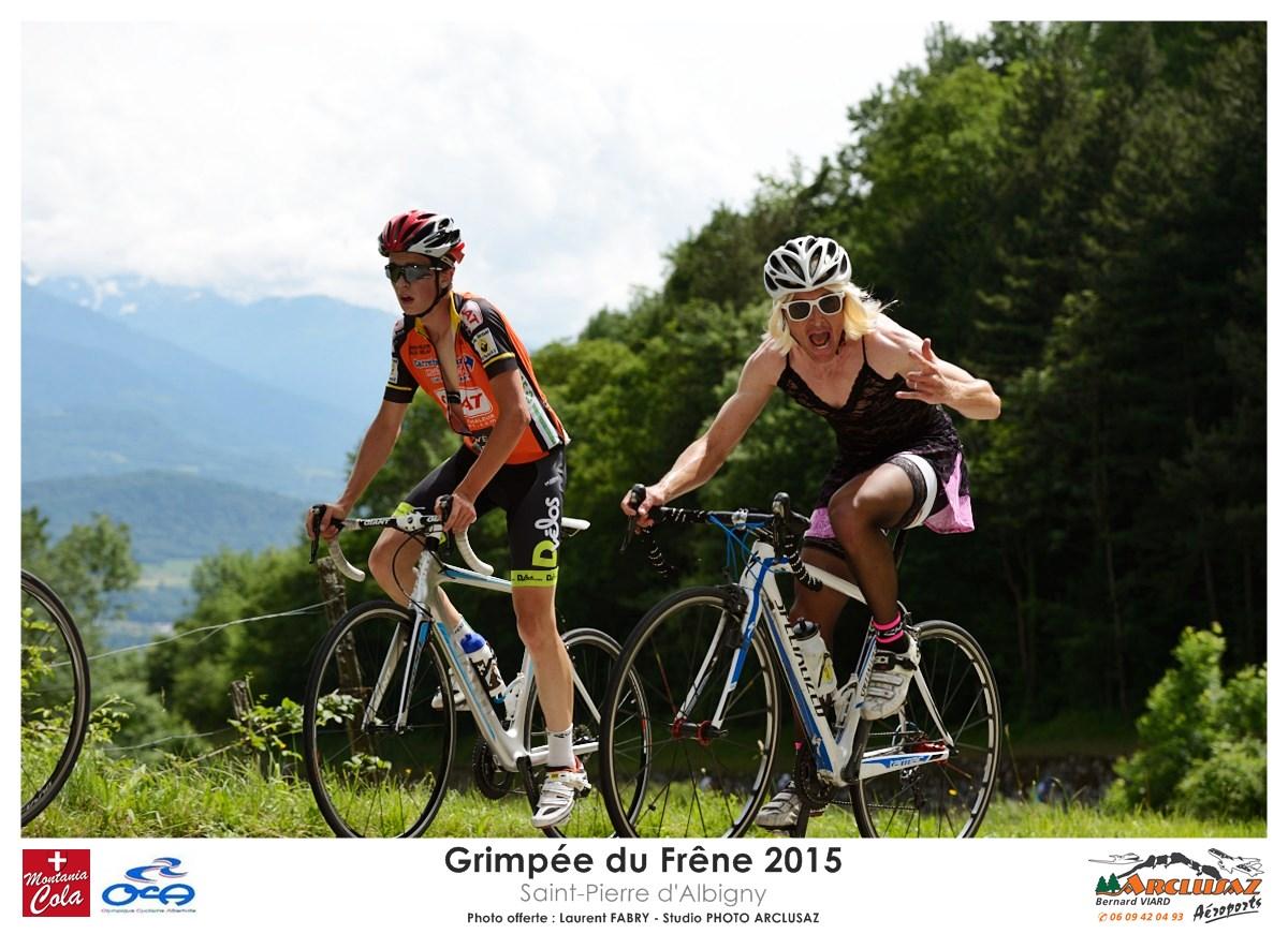 Photographe Cyclisme En Combe De Savoie : Les Coureurs Les Plus Excentriques Participaient à Un Concours De Déguisement Sur La Grimpée Du Frêne, Course Cycliste