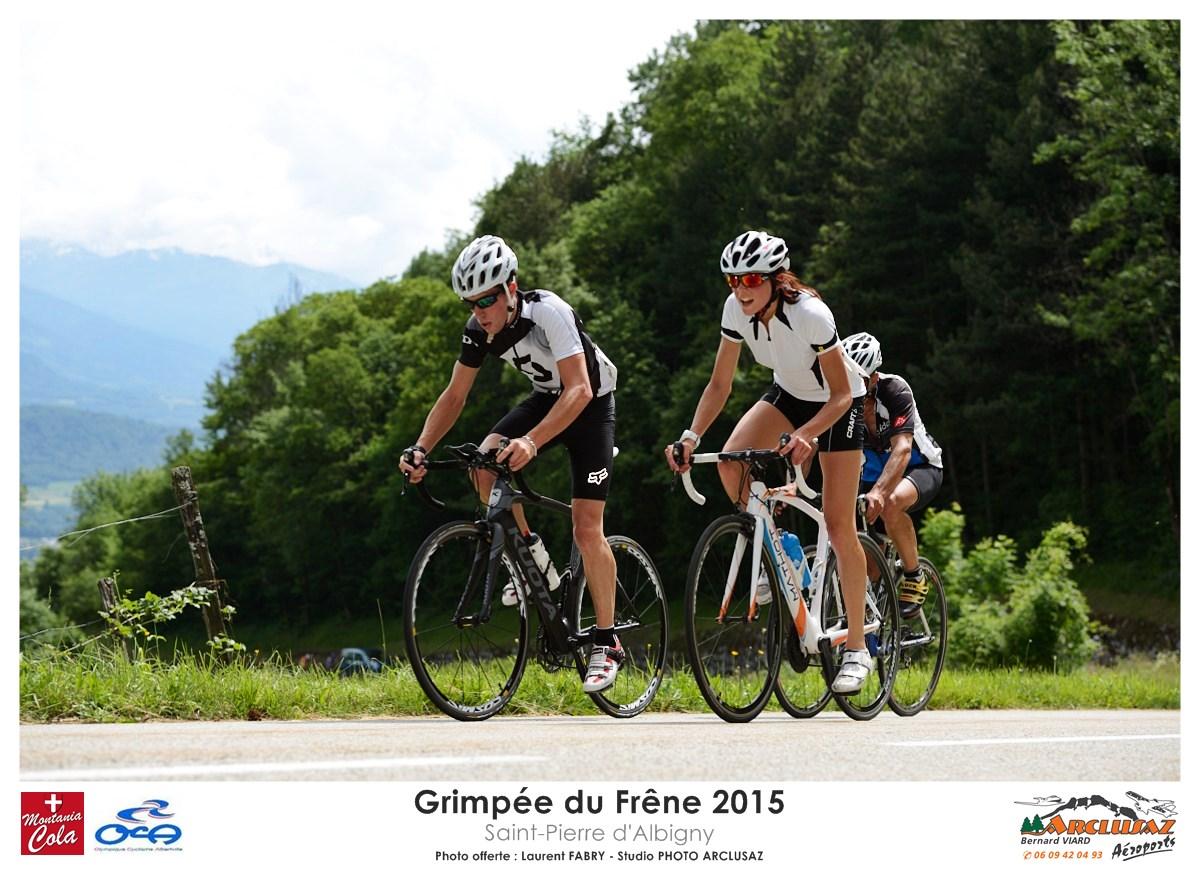 Photographe Cyclisme En Combe De Savoie : Hommes Et Femmes Cyclistes Ont Participé à La Course De Vélo La Grimpée Du Frêne