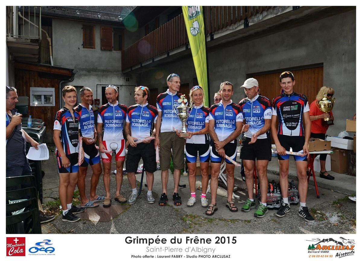 Photographe Cyclisme En Combe De Savoie : Une équip Est Récompensée Lors De La Grimpée Du Frêne