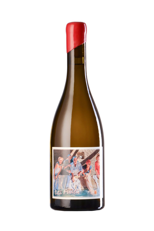 Bouteille De Vin De Savoie Photographiée En Studio Sur Fond Blanc