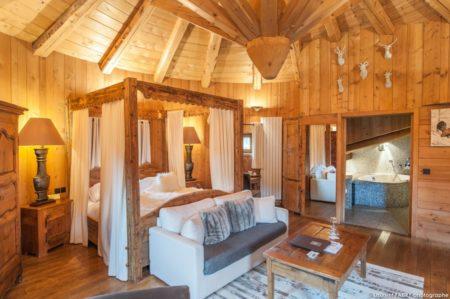 Hotel Photographer In Megève : Une Des Chambres De Fermes De Marie, Ensemble De Chalets De Luxe 5 étoiles