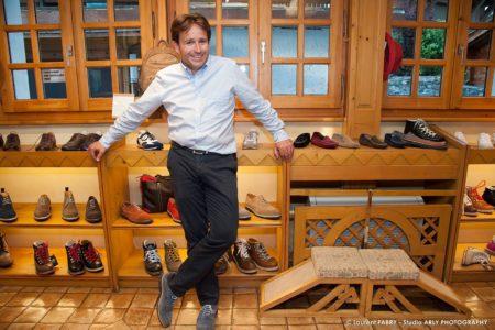 Antoine Allard, Petit Fils D'Armand Allard, L'inventeur Du Fuseau, Dans La Boutique Familiale De Prêt à Porter De La Marque AAllard (accessoires)