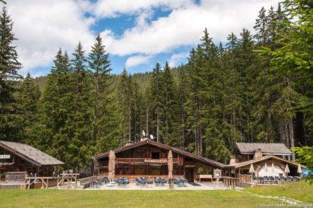 Photographe Hôtellerie à Megève : Restaurant L'Auberge De La Cote 2000 (groupe EDRH), Au Mont D'Arbois, Près De L'altiport