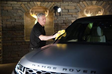 Photographe événementiel à Courchevel : On Lustre La Voiture (Land Rover)
