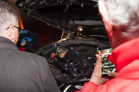 Photographe événementiel à Courchevel : Le Range Rover Sous Le Feu Des Iphones