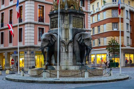 Photographe Patrimoine Et Traditions Dans Les Alpes : La Fontaine Des éléphants à Chambéry